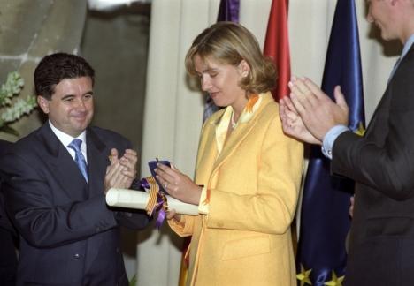 Prinsessan Cristina och hennes make Iñaki Urdangarín (till höger) när de mottog hertigtiteln i Palma de Mallorca, som de senare fråntagits.