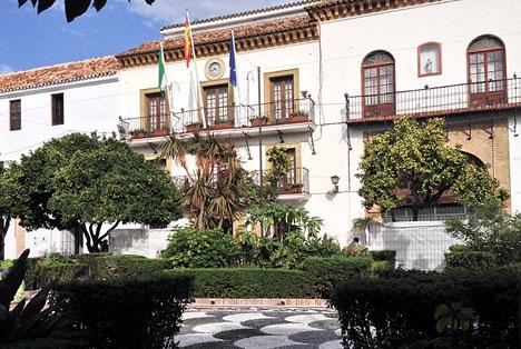Av de 294 miljoner euro som Marbella tilldömts har kommunen hittills erhållit endast 15 miljoner.