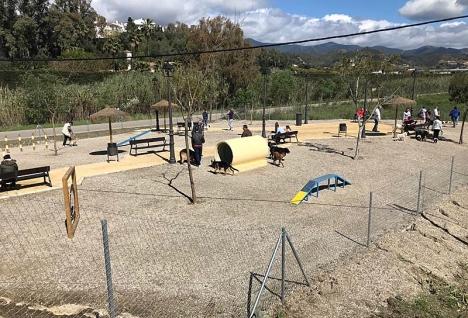 Den nya hundparken invigdes 7 april.