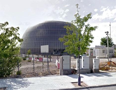 De enda resterna av megaprojektet är en byggnad som aldrig tagits i bruk. Foto: Google Maps