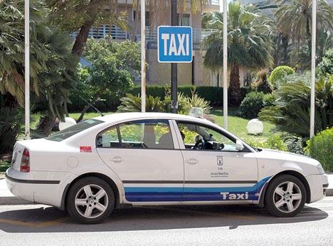 Dekretet begränsar antalet alternativa taxilicenser till max en per 30 ordinarie licenser.