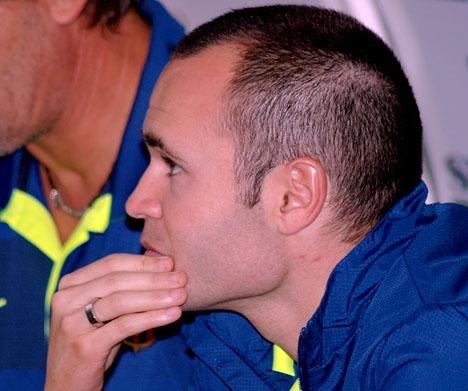Andrés Iniesta fotograferades av Sydkusten i La Rosaledastadion bara månader efter hans legendariska mål mot Chelsea.