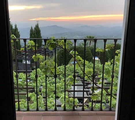 Hänförande utsikt från hotellet Cerro de Hijar i Tolox, där den nämnda kursen hölls.