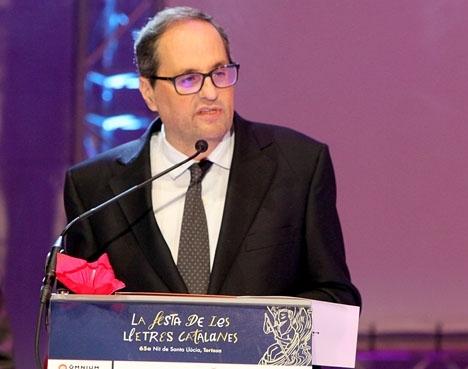 Den nye katalanske regionalpresidenten flög direkt till Berlin för att träffa sin företrädare Carles Puigdemont. Foto: Òmnium Cultural