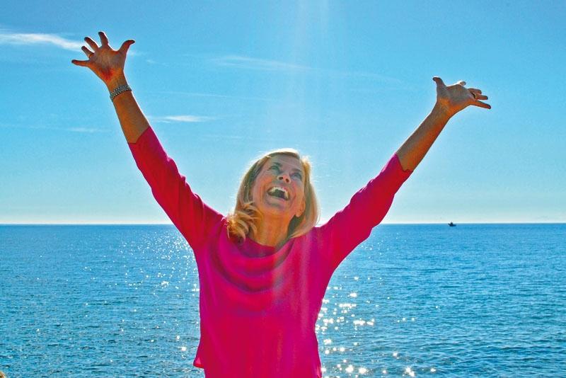 Mi Ridell startade i april Marbellapodden och publicerar ett nytt program varje vecka. Hon vänder sig till svenskar på Costa del Sol och intervjuar både skådespelare, komiker, golfproffs och andra intressanta kustsvenskar. Foto: Privat