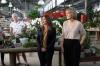 Direktören på Agrojardín Victoria Huertas (till vänster) och marknadschefen María Cotero hälsade välkomna.