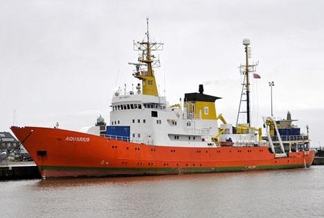 Flyktingarna anlände till Valencia ombord på räddningsfartyget Aquarius samt två italienska kustbevakningsfartyg. Foto: Ra Boe/Wikipedia