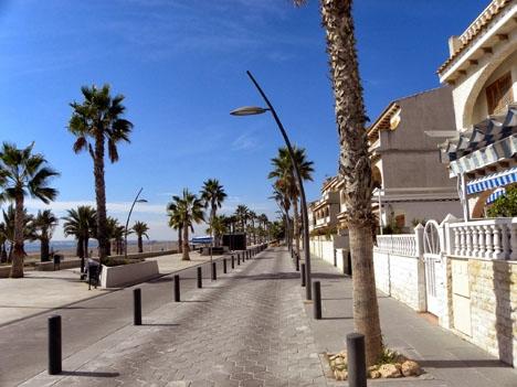 Strandpromenaden i Santa Pola. Foto: Halina Frederiksen/wikimedia Commons