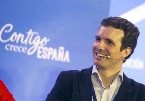 Pablo Casado är en av de kandidater till partiledarposten som efterlyser ett smidigare röstsystem i primärvalet.