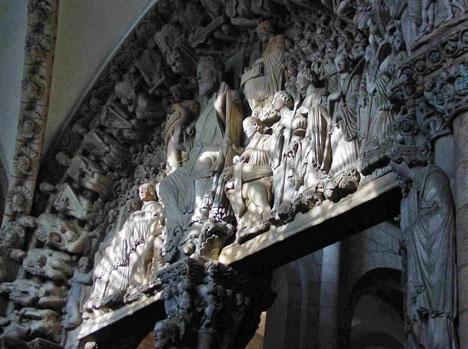 Arkivbild på Pórtico de la Gloria, före restaurationen som tagit tio år. Foto: Luis Miguel Bugallo Sánchez/Wikimedia Commons