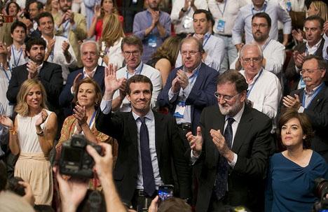 Pablo Casado valdes till ny partiledare vid PP:s kongress 21 juli.