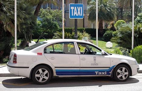 Flera tillbud har registrerats i Marbella när demonstrerande taxichaufförer angripit bilar från Cabify. ARKIVBILD