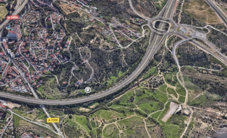 Branden uppstod intill kustvägen A-7, i höjd med kilometer 227. Foto: Google Maps