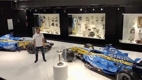 I en video tar Fernando Alonso farväl av F1-cirkusen, även om han kommer att tävla med McLaren-Renault säsongen ut. Foto: https://mobile.twitter.com/alo_oficial