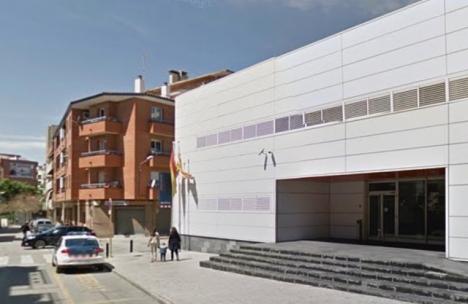 Händelsen inträffade på måndagsmorgonen 20 augusti vid regionalpolisen Mossos d´Esquadras kontor i Cornellà de Llobregat. Foto: Google Maps