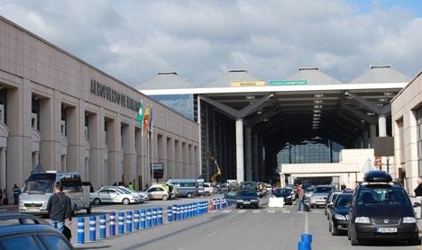 Tidningen El Español skriver om dramat, som ska ha inträffat i helgen i parkeringshuset på Málaga flygplats.