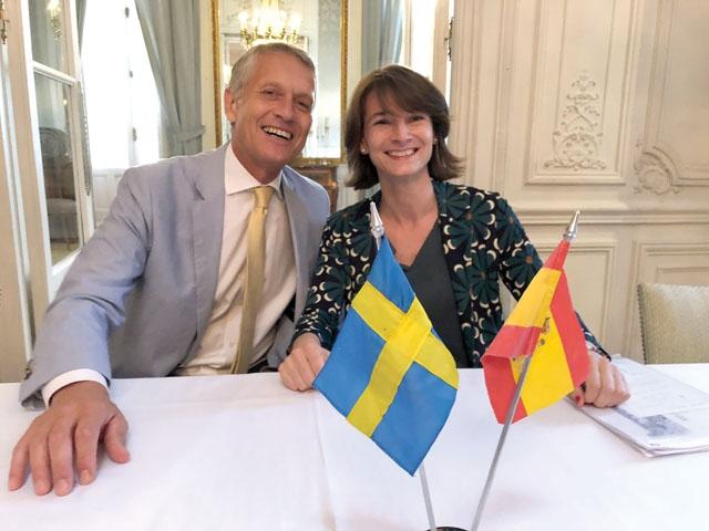 Luisa Alli Turillas med sin företrädare på posten som ordförande i Svensk-Spanska Handelskammaren Anders Brundin.