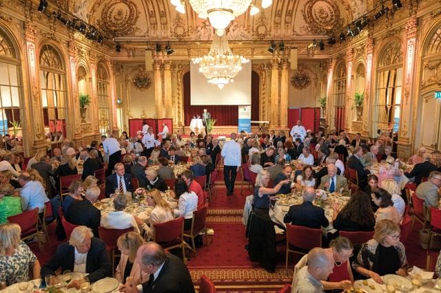 Årets lunch på Grand Hotel var om möjligt ännu pampigare än vanligt, men anledning av att Svenskar i Världen firade sitt 80-årsjubileum. Foto: Bengt Säll