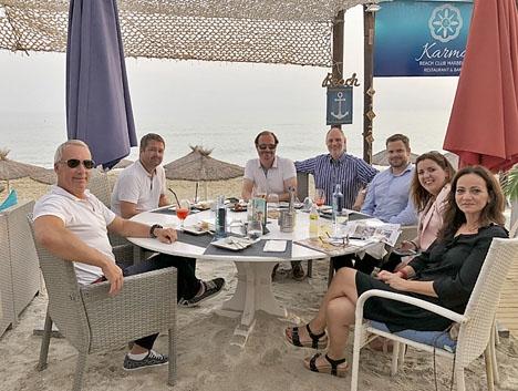 Handelskammarens första sammankomst efter sommaruppehållet hölls på Karma Beach, i Marbella.