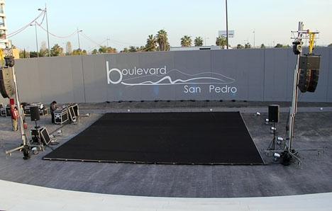Ett av de föreslagna projekten är att bygga tak över teatern vid boulevarden i San Pedro Alcántara.