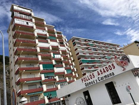 Hotellen i Almuñécar kräver konkurrens på lika villkor.