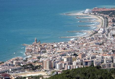 Jonas Falk ska ha investerat flera miljoner euro i bland annat turistorten Sitges. Foto: Werner Lang/Wikimedia Commons