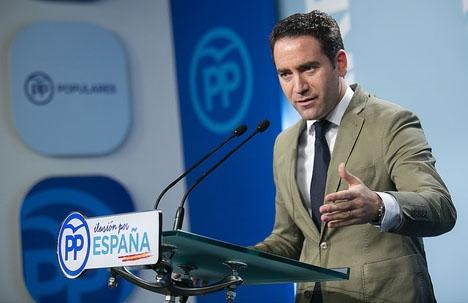 PP:s generalsekretare Teodoro García Egea kräver att de som ifrågasatt Casados hederlighet ber om ursäkt.