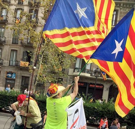 Konfrontationen mellan separatister och motståndare till Kataloniens självständighet riskerar allt mer att bli våldsam. ARKIVBILD: Petra S.G