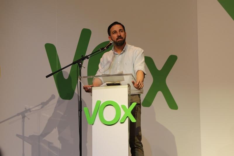 VOX leds av Santiago Abascal. Foto: Derechaunion/Wikimedia Commons