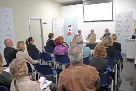 Ett 20-tal personer deltog i Handelskammarens studiebesök på Quirónsalud.