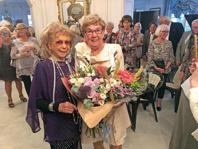 Britten Emme satte efter 50 år och 100 modevisningar punkt för sin karriär 11 november. Hon blev storslaget hyllad av ett 100-tal personer vid hennes Grand Finale.