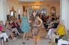 Sammanlagt 15 modeller mellan 25 och 85 år visade entusiastiskt upp Britten Emmes modeller på Palacio Rosa, i Nueva Andalucía.