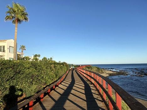 Landgångspromenaden i höjd med Riviera del Sol.