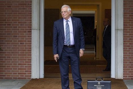 Josep Borrell förnekar anklagelserna men tänker ej överklaga boten.