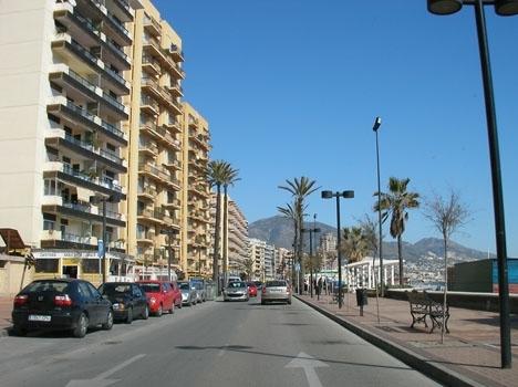 Attackerna inträffade tidigt på morgonen 23 november på strandpromenaden i Fuengirola.