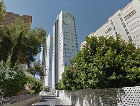 Tvillingtornen som måste rivas. Foto: Google Maps