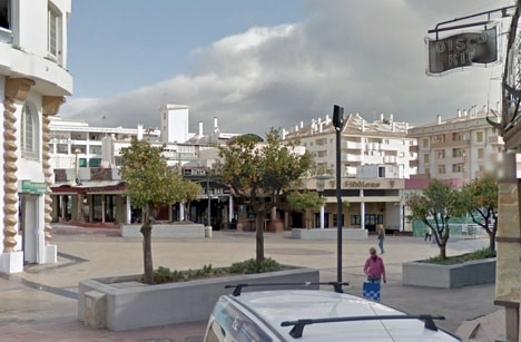 Chauffören tog upp sitt offer vid Plaza Solymar. Foto: Google Maps