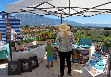 Lördagsmarknaden vid Centro Plaza fick oväntat besök på trettondagsafton. ARKIVBILD