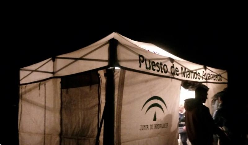 För andra natten i rad har arbetet pågått vid olycksplatsen. Foto: Emergencias 112