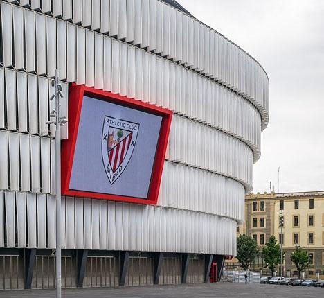 Nära 50 000 åskådare såg mötet mellan Athlétic de Bilbaos och Atlético Madrids damlag i San Mamés. Foto: Basotxerri/Wikimedia Commons