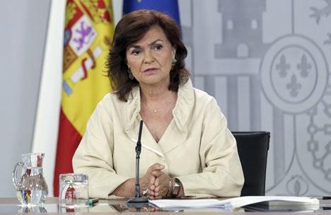 Vice regeringschefen Carmen Calvo försvarar en dialog om Katalonien och kritiserar i sin tur oppositionen för att vara illojal.