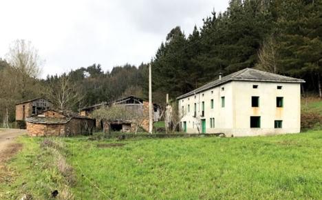 Dessa fastigheter i Lugoprovinsen köptes i slutet av förra året av några holländare för endast 149 550 euro, efter att det annonserats som julklappstips av skådespelerskan och trendsättaren Gwyneth Paltrow. Foto: Aldeas Abandonadas