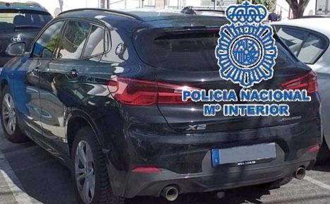 Det stulna fordonet var parkerat utanför ett köpcenter. Foto. Policía Nacional