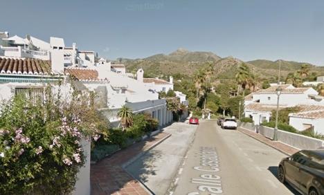 Calle Casablanca ligger i bostadsområdet El Capistrano, där det bor ett stort antal svenskar och norrmän under vinterhalvåret. Foto: Google Maps