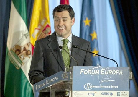 Juanma Moreno Bonilla tänker styra Andalusien delvis från sin hemprovins Málaga.