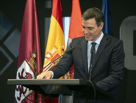 Regeringschefen Pedro Sánchez kan enligt den senaste statliga opinionsundersökningen behålla makten.