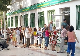 Enligt IMF kommer den nuvarande arbetslösheten i Spanien endast att sjunka marginellt.
