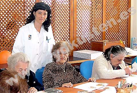 """Patricia är sjuksköterska på vårdhemmet Sar i Benalmádena. """"Även när du har jobb upp över öronen är det alltid värt det. Känslan av att de äldre behöver dig, att de är dig tacksamma, fyller dig."""""""