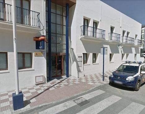 Taxirånarens resa slutade i arrestcellen. Foto: Google Maps