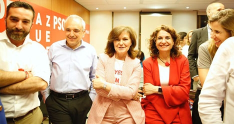 Vice regeringschefen Carmen Calvo säger att socialistpartiets helst vill regera i minoritet.